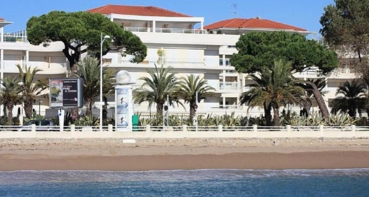 Cannes , 2 pièces de 44m² avec Terrassse et Box en bord de mer !