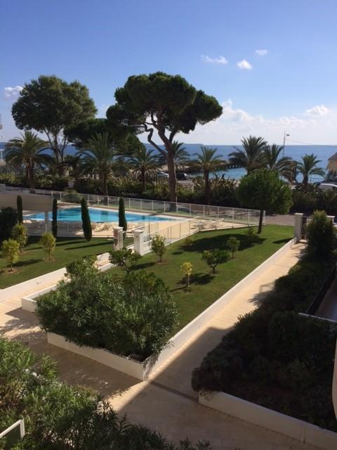 Cannes , 2 pièces de 44m² avec Terrassse vue iles de Lerins, Box en bord de mer