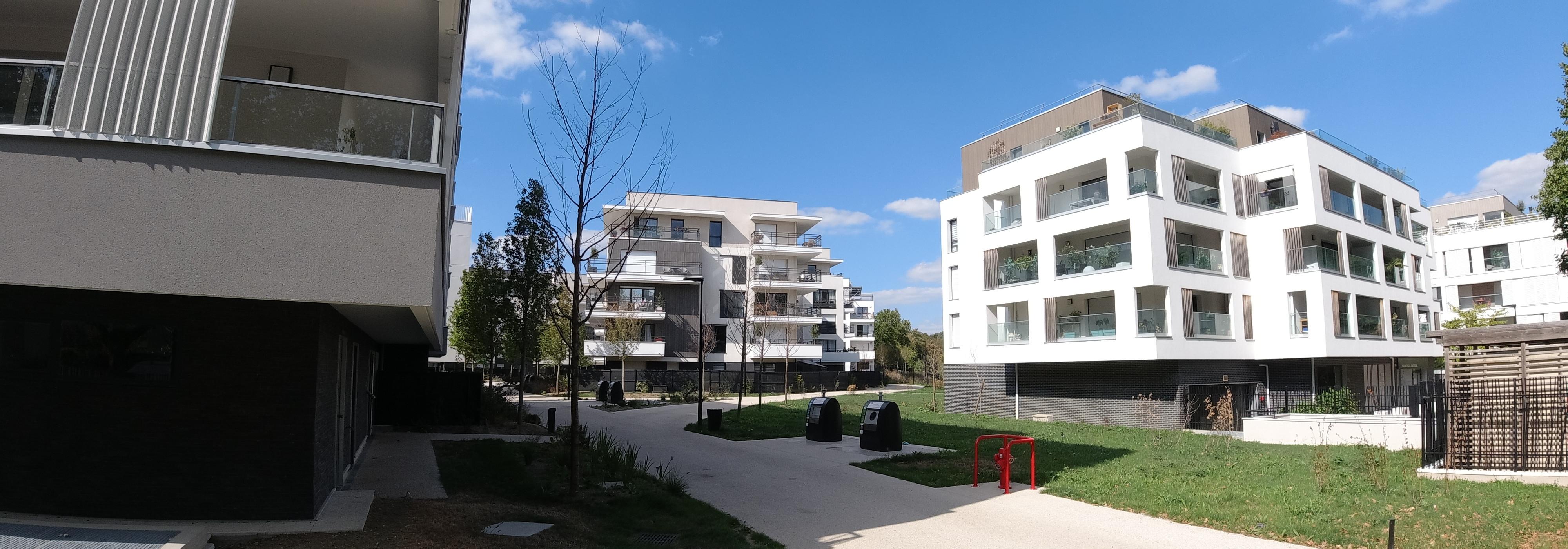 Antony, 5 pièces de 92m2 terrasse de 70m2 avec 3 parking sous sol , RER B Antony